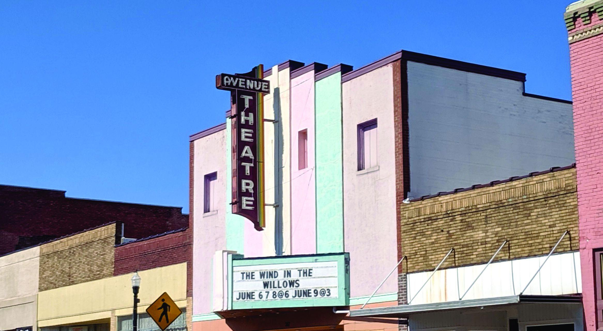 The Avenue Theatre, The Avenue Theatre West Plains Missouri, West Plains Missouri